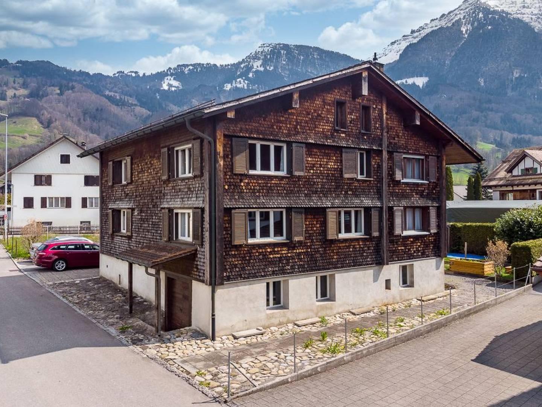 Zweifamilienhaus an schöner Wohnlage